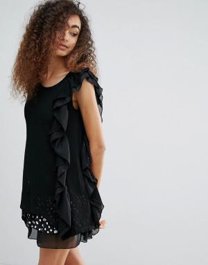 Jasmine Платье в горошек с оборками. Цвет: черный