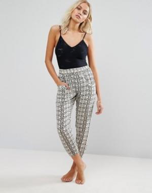 Amuse Society Пляжные брюки с мозаичным принтом. Цвет: мульти
