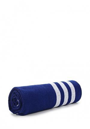 Полотенце adidas. Цвет: синий