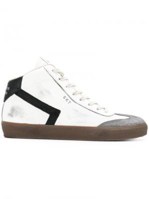 Хайтопы на шнуровке Leather Crown. Цвет: белый
