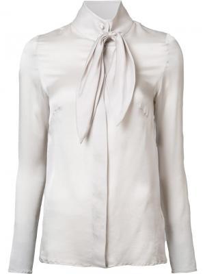 Рубашка с бантом Ryan Roche. Цвет: серый