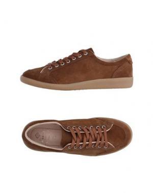Низкие кеды и кроссовки LUIGI BORRELLI NAPOLI. Цвет: коричневый