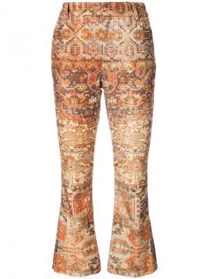 Укороченные расклешенные брюки Frame Denim. Цвет: коричневый
