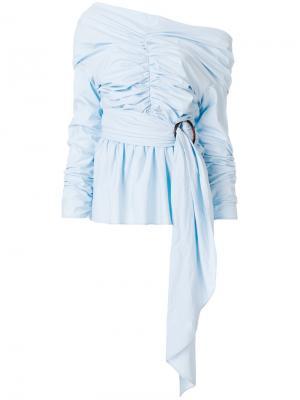 Блузка с открытыми плечами и присборенными деталями Isa Arfen. Цвет: синий