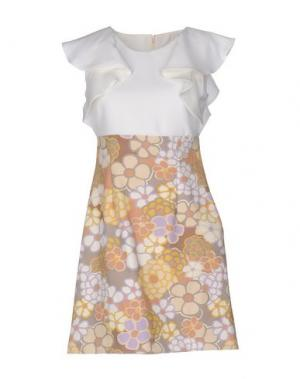 Короткое платье ANNARITA N.. Цвет: белый