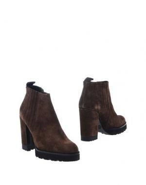 Полусапоги и высокие ботинки ROBERTO FESTA. Цвет: какао
