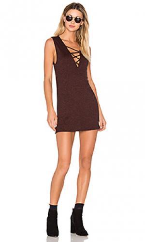 Мини платье с перекрестными шлейками elsa Riller & Fount. Цвет: вишня