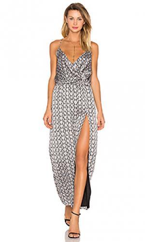 Платье со змеиным принтом и вырезом сбоку BLQ BASIQ. Цвет: серый
