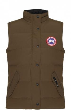 Пуховой жилет с карманами и логотипом бренда Canada Goose. Цвет: хаки