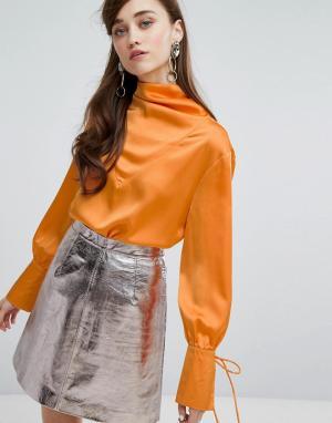 Sister jane Атласная блузка с драпировкой. Цвет: желтый