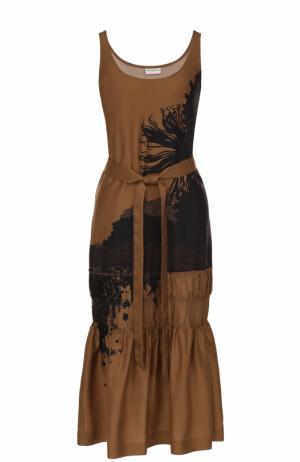 Шелковое платье с принтом и поясом Dries Van Noten. Цвет: бежевый
