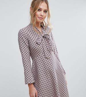 Closet London Платье в горошек с завязкой на бант и расклешенными рукавами. Цвет: мульти
