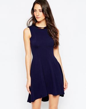 Binky Короткое приталенное платье For Lipstick Boutique Highgate. Цвет: темно-синий