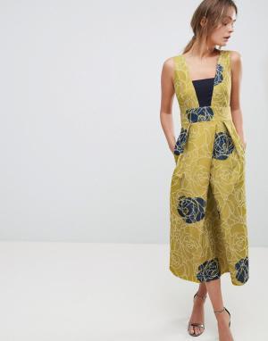 Closet London Золотистое платье со складками. Цвет: мульти