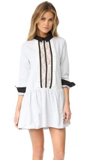 Платье-рубашка с кружевной вставкой спереди ENGLISH FACTORY. Цвет: серая полоска