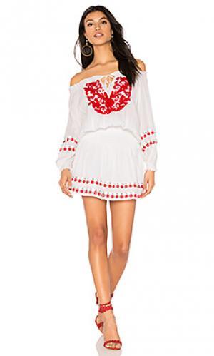 Платье sarah PIPER. Цвет: белый