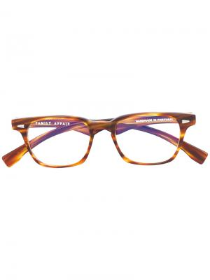 Square frame glasses Family Affair. Цвет: коричневый