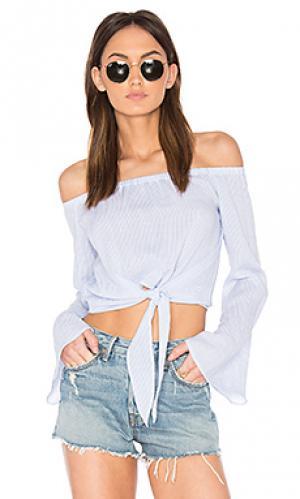 Блуза с открытыми плечами и завязкой спереди LAcademie L'Academie. Цвет: белый