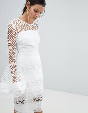 Bronx and Banco Кружевное платье миди с расклешенными рукавами. Цвет: белый
