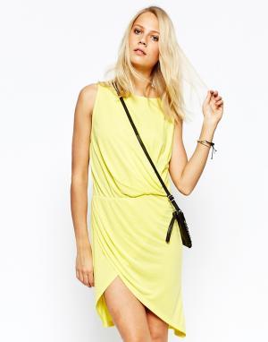 2nd Day Трикотажное платье с запахом. Цвет: желтый