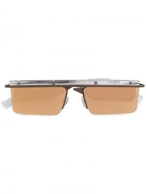 Солнцезащитные очки с квадратной оправой Le Specs. Цвет: металлический