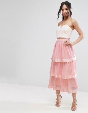 PrettyLittleThing Ярусная юбка макси. Цвет: розовый