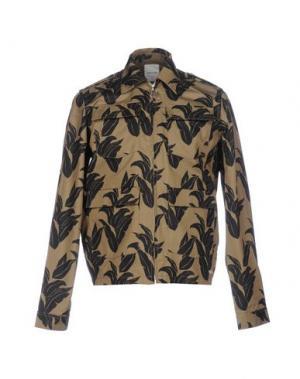 Куртка WOOD. Цвет: зеленый-милитари