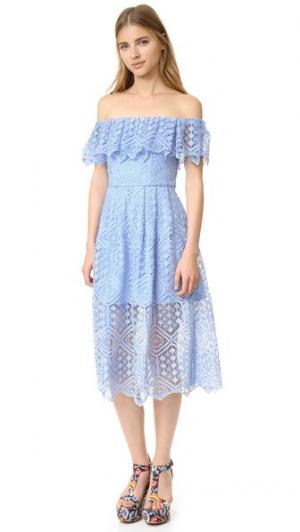 Миди-платье с мозаичным цветочным рисунком Cynthia Rowley. Цвет: голубой