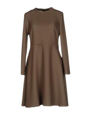 Короткое платье 1-ONE. Цвет: хаки