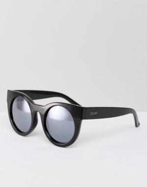 Quay Australia Солнцезащитные очки с сиреневыми затемненными стеклами. Цвет: черный