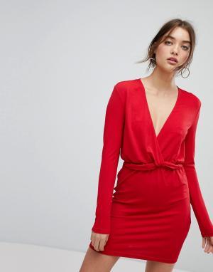 Ivyrevel Платье с длинными рукавами и оборкой на талии. Цвет: красный