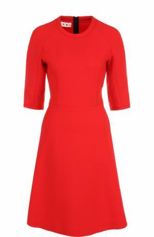 Шерстяное приталенное платье Marni. Цвет: красный