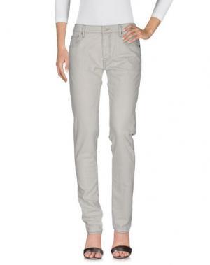 Джинсовые брюки HTC. Цвет: светло-серый