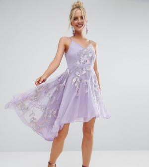 Frock and Frill Petite Асимметричное платье миди на бретельках с вышивкой и глубоким вырезом. Цвет: фиолетовый