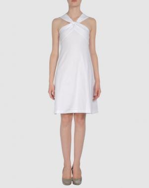 Короткое платье AINOS. Цвет: белый