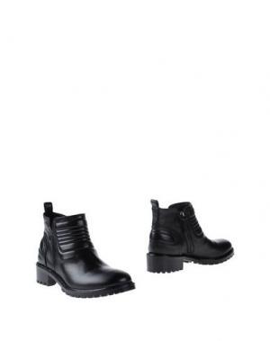 Полусапоги и высокие ботинки JULIE DEE. Цвет: черный