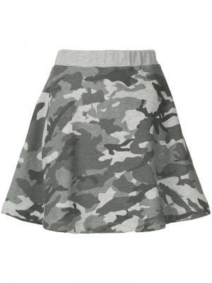 Камуфляжная юбка Loveless. Цвет: серый
