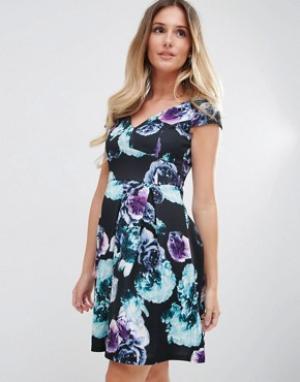 Jessica Wright Короткое приталенное платье с цветочным принтом. Цвет: черный