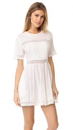 Кружевное платье Camille Ryder. Цвет: белый