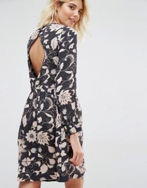 Gat Rimon Платье с длинными рукавами и цветочным принтом Moco. Цвет: черный