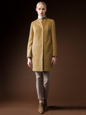 Пальто Pompa. Цвет: горчичный
