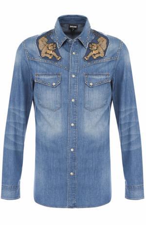 Джинсовая рубашка с нашивками Just Cavalli. Цвет: синий