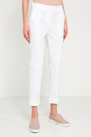 Белые хлопковые брюки Lorena Antoniazzi. Цвет: белый