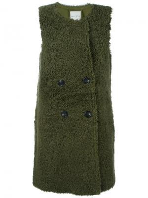 Куртка из овчины без рукавов Each X Other. Цвет: зелёный