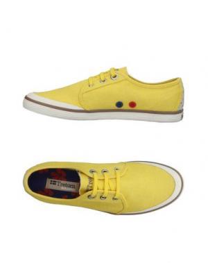 Низкие кеды и кроссовки TRETORN. Цвет: желтый