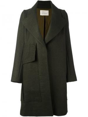 Пальто с широким лацканами Quetsche. Цвет: зелёный