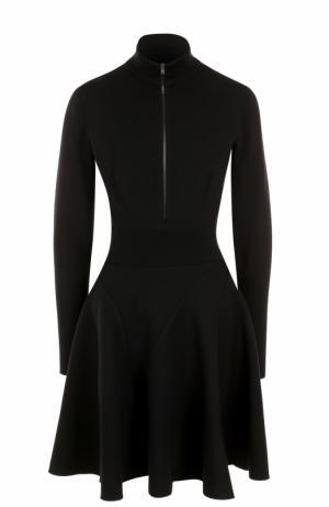 Мини-платье с длинным рукавом и воротником-стойкой Alaia. Цвет: черный