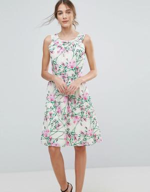 Uttam Boutique Платье миди с цветочным принтом. Цвет: мульти