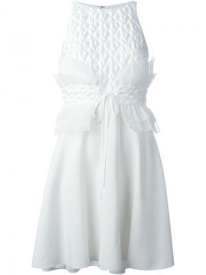 Платье с рюшами Giamba. Цвет: белый