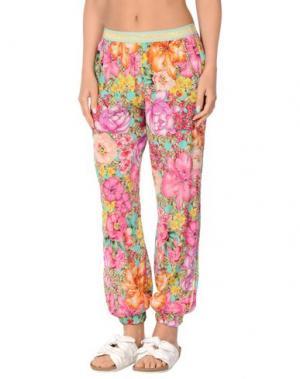 Пляжные брюки и шорты VDP BEACH. Цвет: фиолетовый